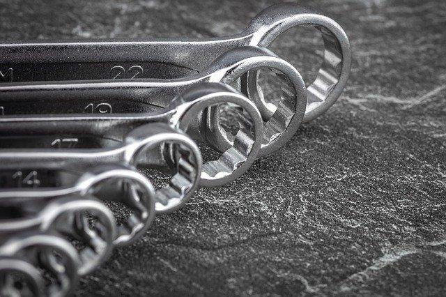 wyroby metalowe ze stali nierdzewnej